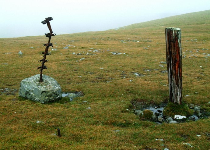 09 Modern Art near top of Ben Chonzie.JPG