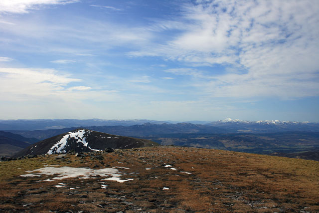 Back to Carn Liath - Ben Lawers in distance.jpg