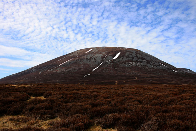 Southeast slope of Cairn Liath.jpg