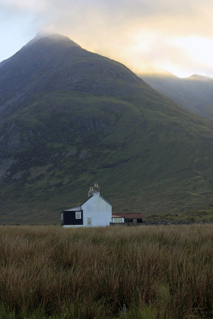 large bothy below bla beinns_walk.jpg