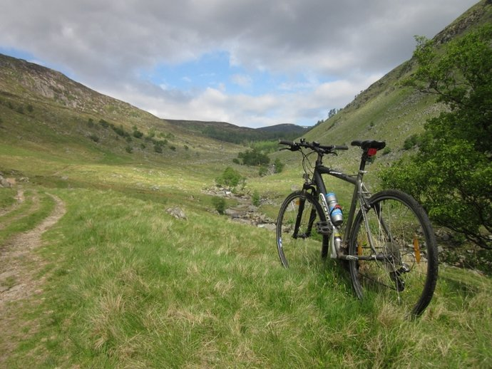 At the top of Glen Clova just about as far as my bike can go (800x600).jpg