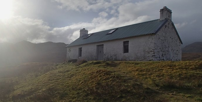 12 Maol-bhuidhe, once of the best bothies I encountered.JPG