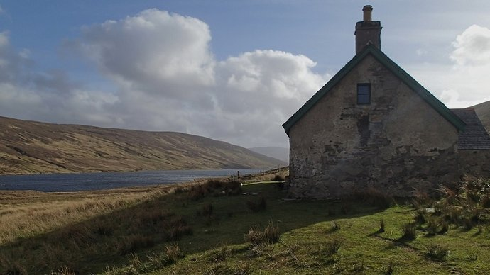 31 Knockdamph bothy and Loch an Daimh.JPG