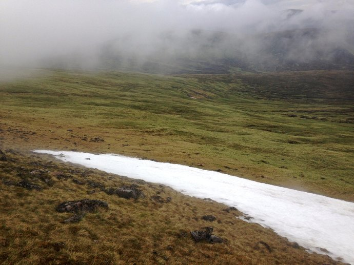 WR6 lingering summer snowfield on descent N from Carn a'Chlamain.jpg