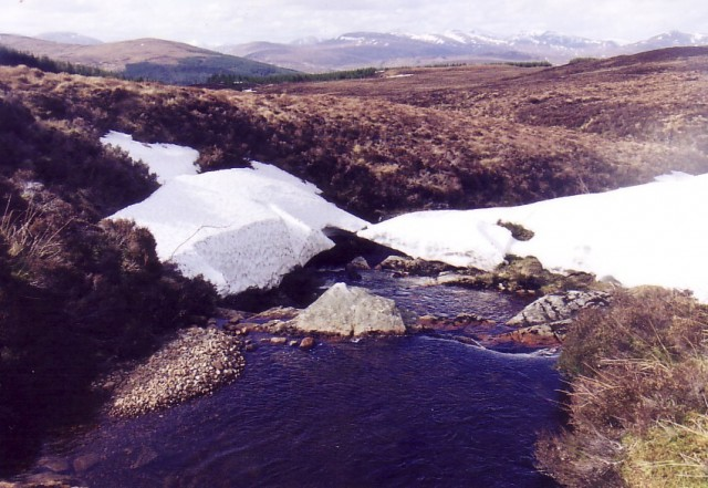 Snow bridge nr Ben Wyvis.jpg