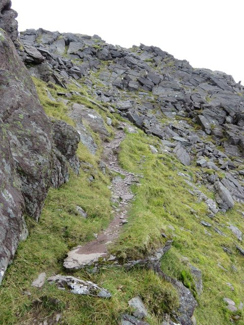 Carrauntoohil Beenkeragh ridge path example.jpg