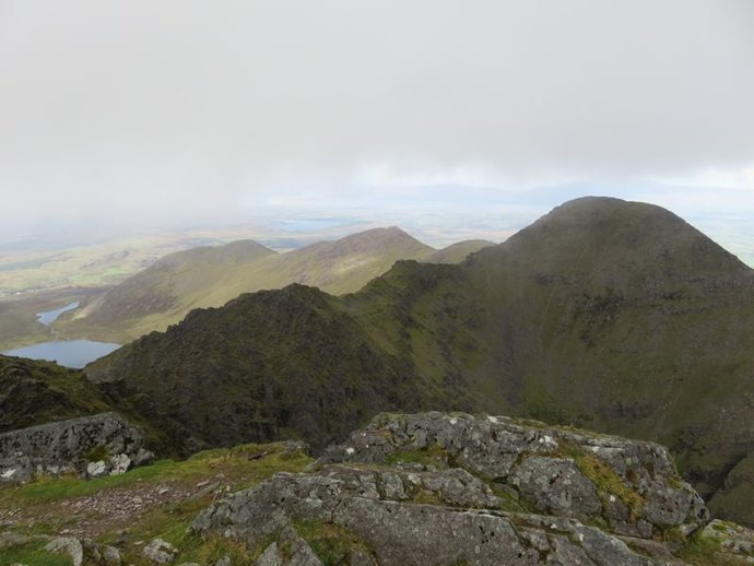 Carrauntoohil Beenkeragh summit and ridge.jpg