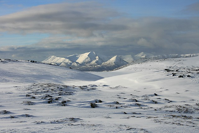 Across the snow to Binnein Mor.jpg