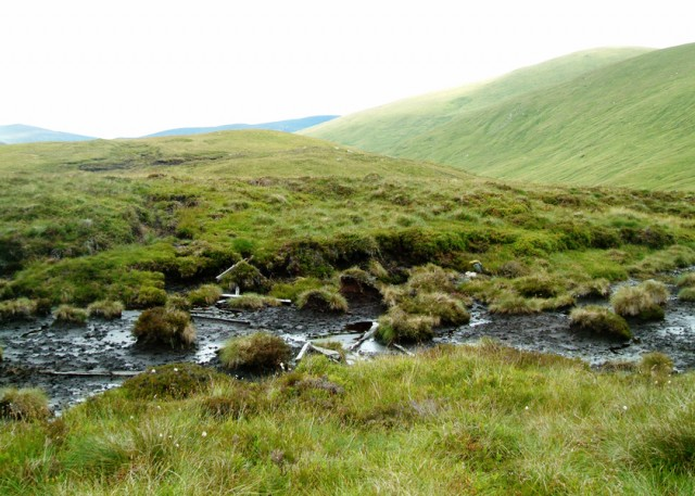 03 Boggy ground on flat moorland towards Meal Corranaich ascent.JPG
