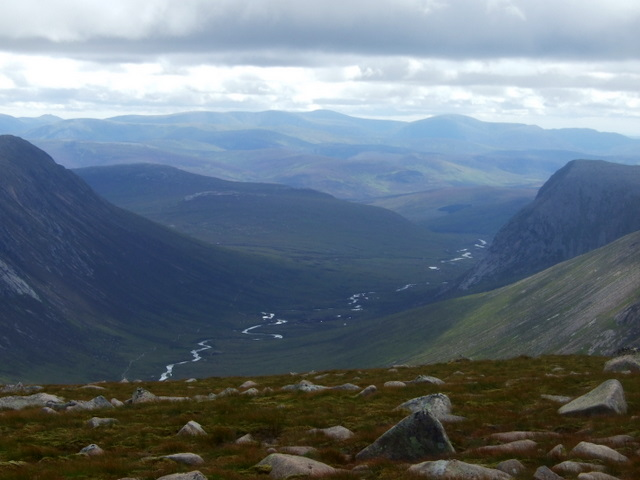 South down Lairig Ghru.JPG