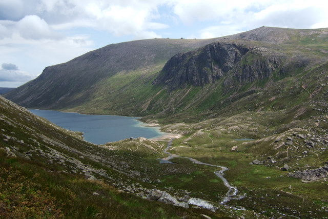 looking down from Coire Dumhain.JPG