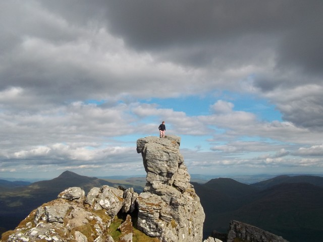 22. Neil standing on the very top summit of 'The Cobbler'.JPG