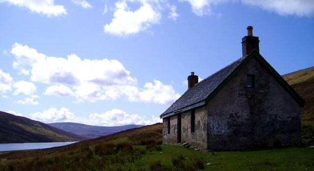 26 Knockdamph Bothy.JPG