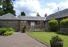 Auchendennan Farm Cottage, near Arden