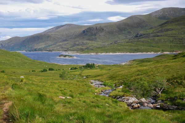 Descending to shores of Loch Mullardoch at Benula