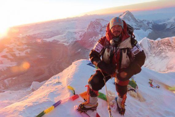 Everest-summit